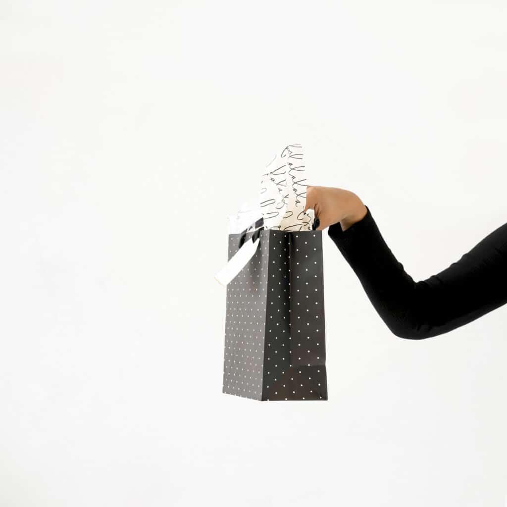 Gift bag Girl boss gift guide 2020